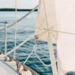 Zeiljacht op zee